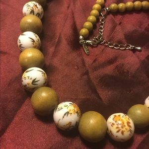 Jewelry - Ceramic and wood floral bead necklace
